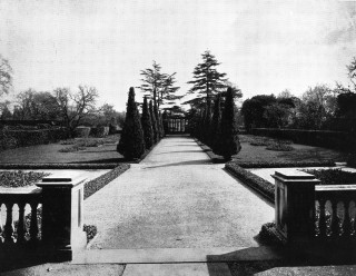 Garden rear of Barford House C 1920 | Warwick record office